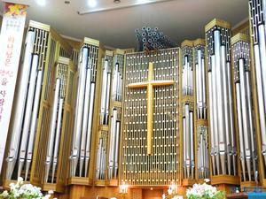 第一天 江南区的林荫大道 现代集团 国立中央博物馆 63大厦高清图片